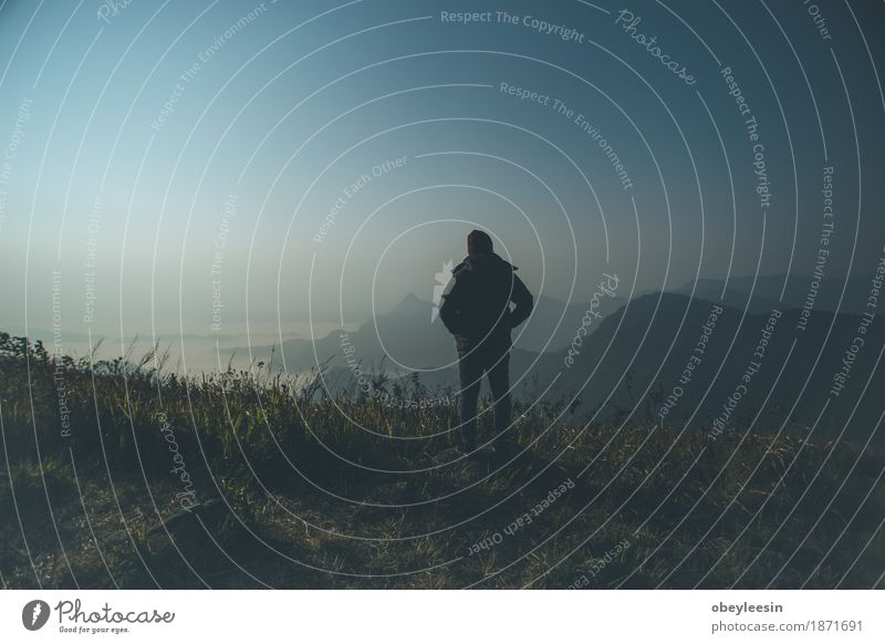 Mensch Natur Mann Landschaft Erwachsene Lifestyle Stil Kunst Angst Abenteuer Todesangst Höhenangst Flugangst Künstler 30-45 Jahre