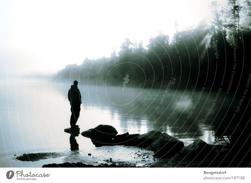 Im Nebel ruhet noch die Welt Mensch Mann Natur Wasser See Ferien & Urlaub & Reisen ruhig Einsamkeit Ferne Wald Leben Erholung Herbst Freiheit Sonnenstrahlen