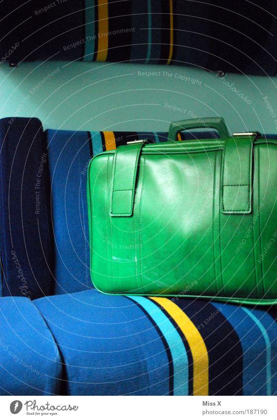 Ich packe meinen Koffer.... Ferien & Urlaub & Reisen Freiheit Verkehr verrückt Ausflug retro Tourismus Freizeit & Hobby Flucht Sitzgelegenheit Bahnfahren