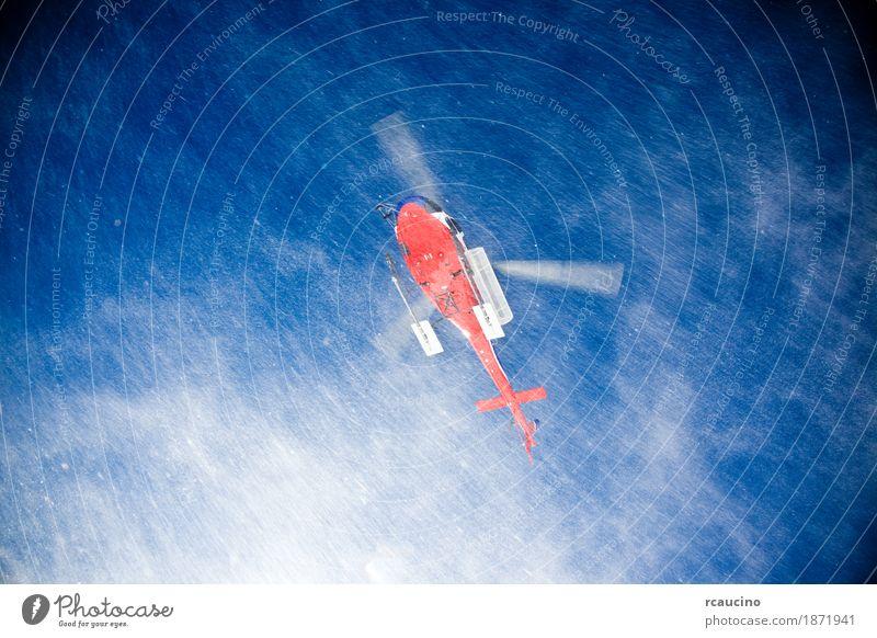 Heli Skiing Helicopter landet auf einer Skipiste. Ferien & Urlaub & Reisen Tourismus Winter Schnee Berge u. Gebirge Sport Verkehr Hubschrauber weiß Klingen