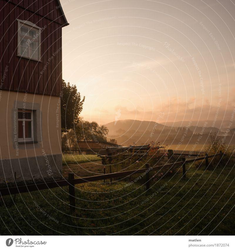 um`s Haus Natur Landschaft Pflanze Himmel Wolkenloser Himmel Horizont Herbst Wetter Schönes Wetter Baum Gras Garten Wiese Wald Hügel Berge u. Gebirge