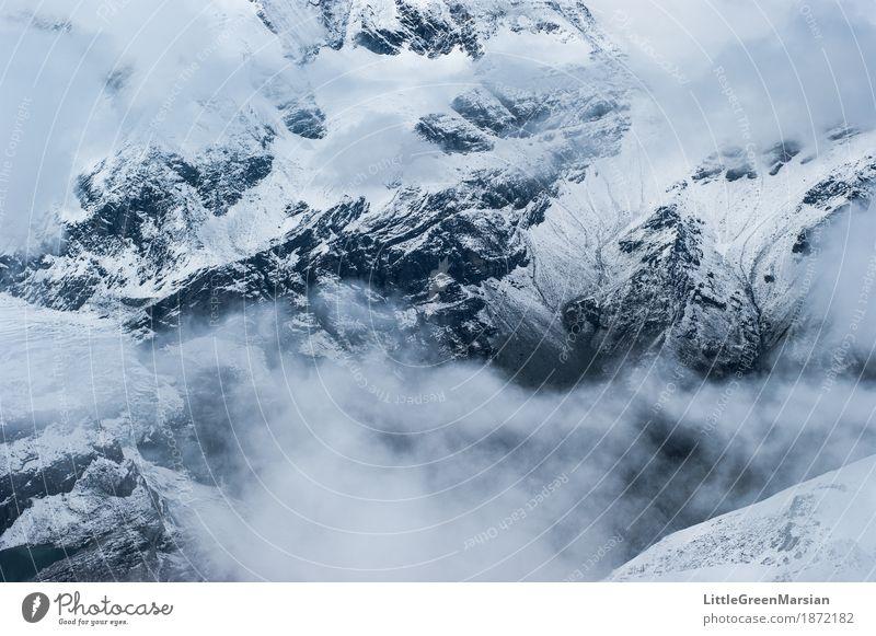 Misty Mountains [3] Wintersport Klettern Bergsteigen wandern Landschaft Urelemente Nebel Eis Frost Schnee Felsen Alpen Berge u. Gebirge Gipfel