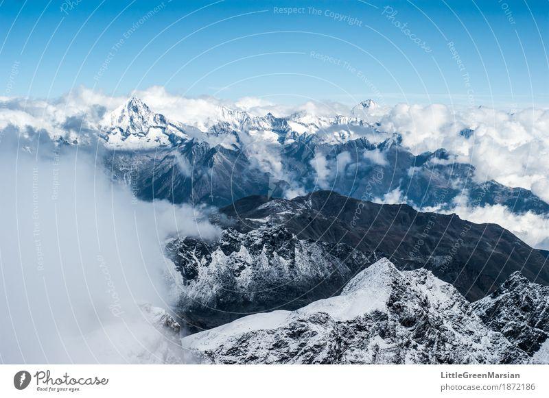 Misty Mountains [1] Natur blau weiß Landschaft Einsamkeit Wolken Winter Berge u. Gebirge schwarz kalt Schnee Felsen wild Nebel Eis wandern