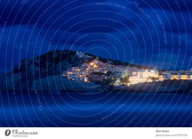 Monkey Island Himmel blau Sommer Ferien & Urlaub & Reisen Meer ruhig Berge u. Gebirge Stimmung Zufriedenheit Felsen Stern (Symbol) Romantik Nacht Gelassenheit