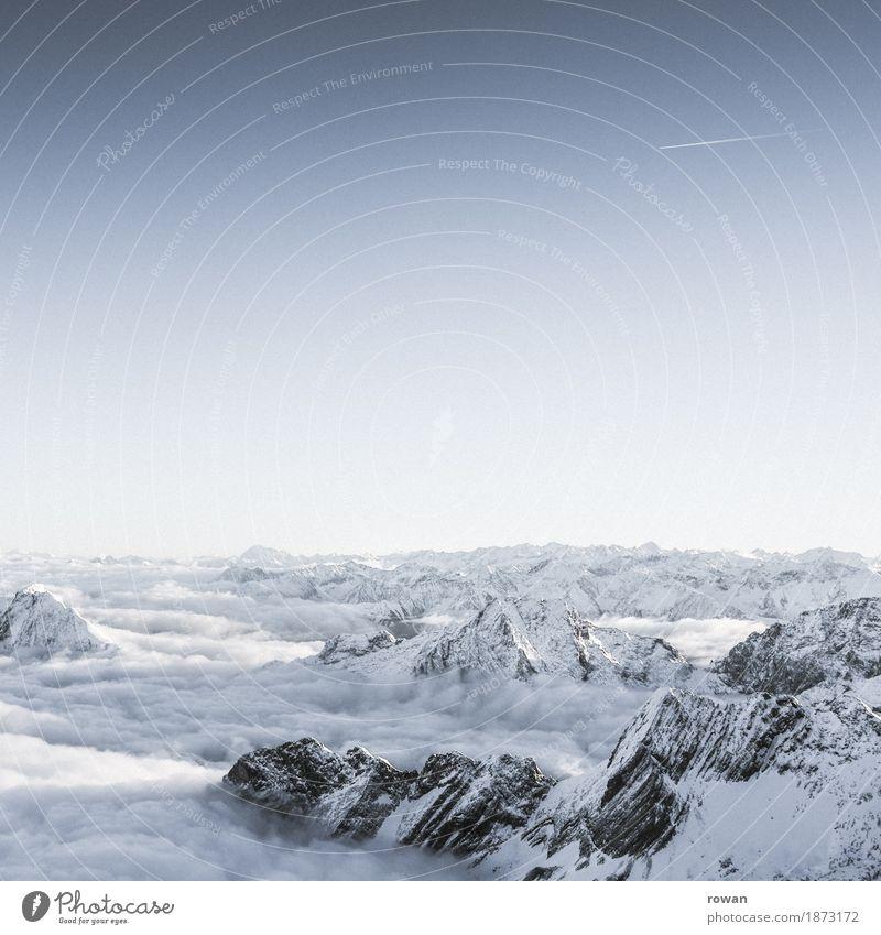 berge kalt Schnee Berge u. Gebirge Alpen Himmel Wolken Wolkendecke Klettern Bergsteigen Gipfel Schneebedeckte Gipfel Zugspitze fliegen Höhe weiß