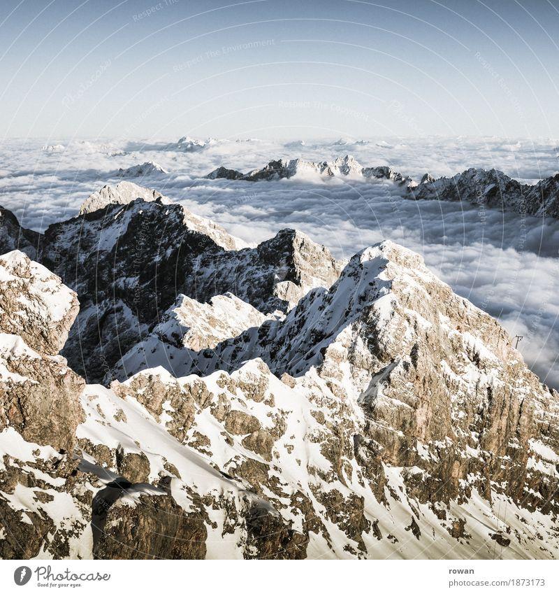 berge Natur Landschaft Hügel Felsen Alpen Berge u. Gebirge Gipfel Schneebedeckte Gipfel Gletscher außergewöhnlich Wolken Höhe kalt Winter Klettern Bergsteigen