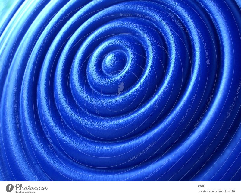 gießkannenkringel blau Kreis Statue Gießkanne