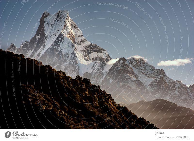 Machapuchare Fishtail Nepal Asien Berge u. Gebirge Achttausender Wald Natur Gipfel Fischschwanz Landschaft Reise wandern Trail Trek Lateinisches Alphabet