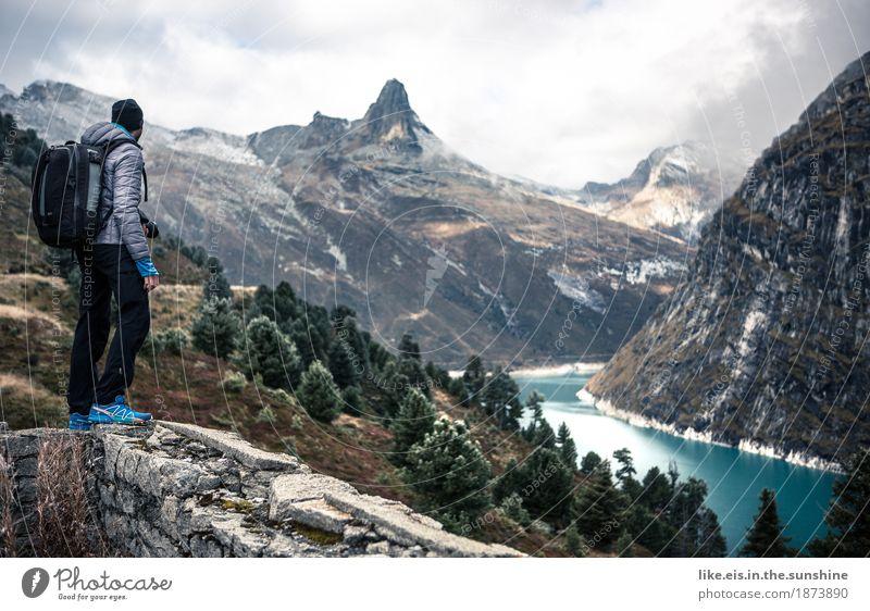 What a view! Natur Ferien & Urlaub & Reisen Mann Landschaft Einsamkeit Ferne Berge u. Gebirge Erwachsene Leben Freiheit See Felsen Tourismus maskulin Ausflug