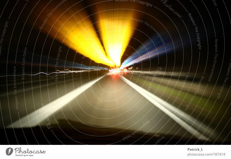 Zeitreise Farbe gelb Straße Leben Wege & Pfade PKW Energie Geschwindigkeit gefährlich Idee Langzeitbelichtung Verkehrswege Fahrzeug Autobahn Unfall fahren
