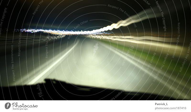 along the street Himmel grün schwarz Straße dunkel PKW hell Verkehr Geschwindigkeit außergewöhnlich bedrohlich Ende Unendlichkeit Autobahn Verkehrswege abstrakt