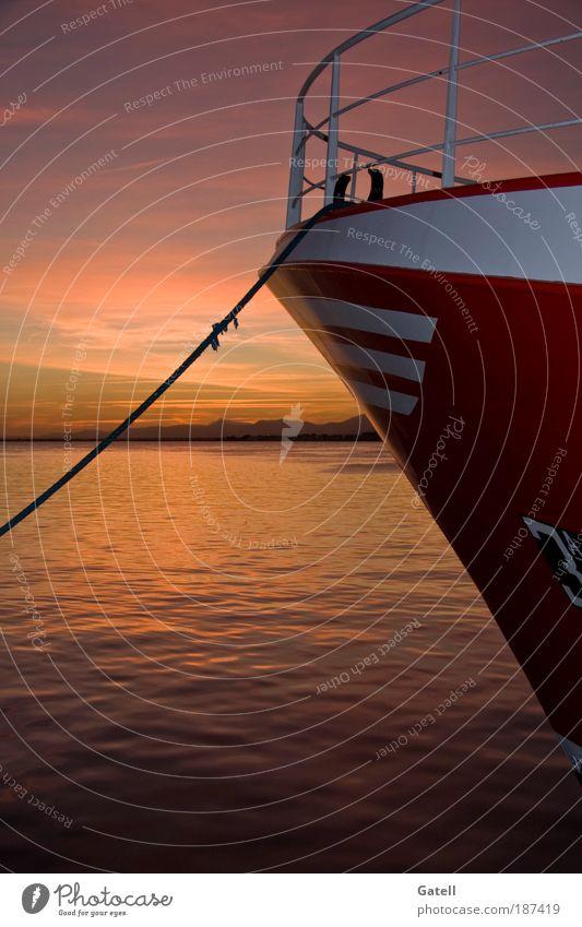 Wasser Himmel Wolken Erholung Verkehr Hafen Handel Schifffahrt Natur Motor