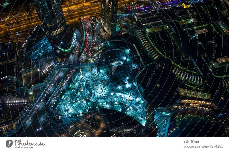 Ant-i-City | Baustelle Hauptstadt Stadtzentrum Fußgängerzone Skyline überbevölkert Hochhaus Bankgebäude Bauwerk Wahrzeichen außergewöhnlich dunkel gigantisch