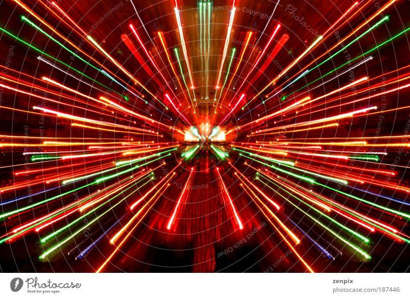 abstrakt blau grün schön rot Nacht Freude mehrfarbig Langzeitbelichtung schwarz gelb Unschärfe Farbe Licht Leben Bewegung