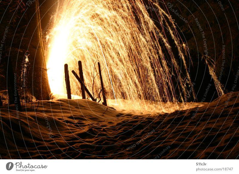 Vulkan, Feuerwerk Licht Langzeitbelichtung hell Brand Funken Stern (Symbol) pyro Pyrotechnik Farbe Schnee