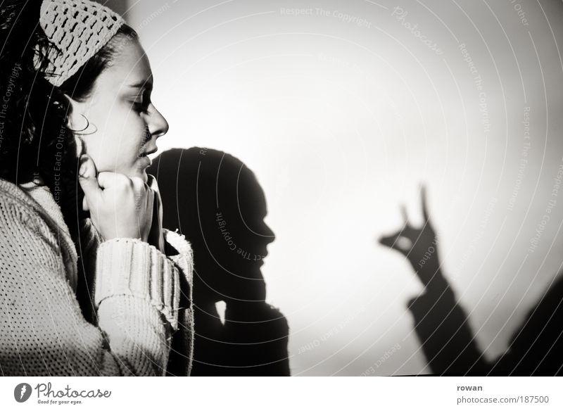 schattentheater Frau Mensch Hand Jugendliche Freude Leben sprechen feminin Spielen lachen Freundschaft Zusammensein Kunst Erwachsene Finger