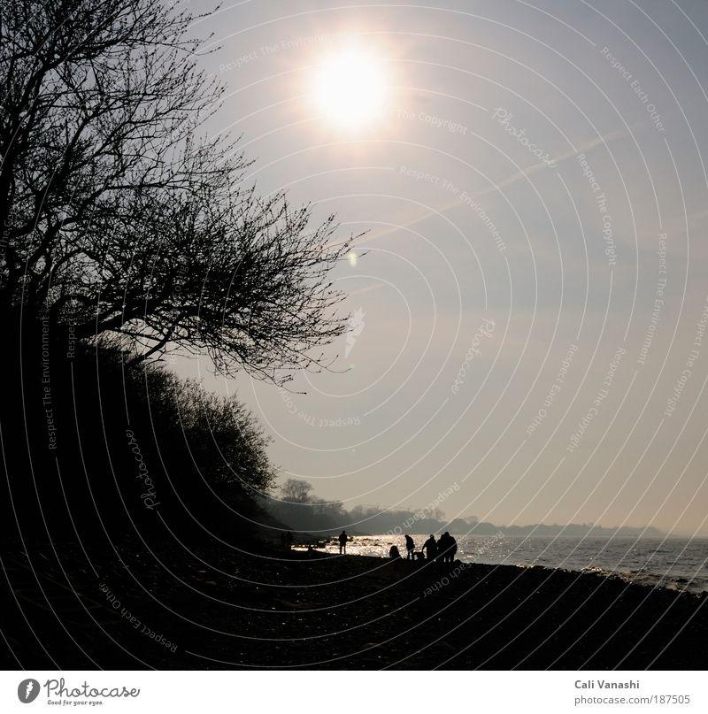 Familienausflug Mensch Natur Himmel Sonne Meer Freude Strand Ferien & Urlaub & Reisen Erholung Gefühle Menschengruppe Glück Landschaft Zufriedenheit wandern