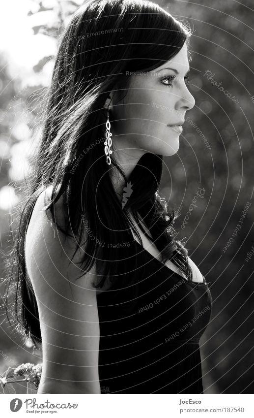 wann wird's endlich wieder sommer?! Frau Mensch Porträt Natur Jugendliche schön Sommer Gesicht Freude feminin Stil Glück Haare & Frisuren Kopf Mode Erwachsene