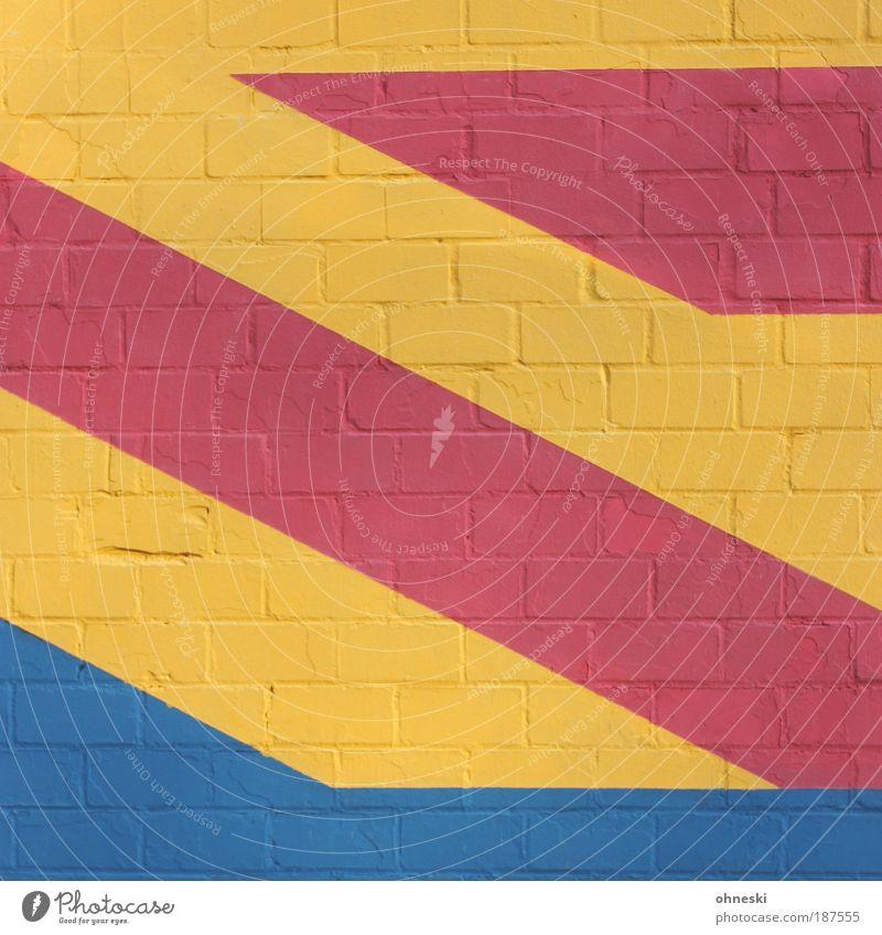 Primärfarben Haus Bauwerk Gebäude Architektur Mauer Wand Fassade blau mehrfarbig gelb rot Maler Anstreicher malen streichen Stein Farbfoto Außenaufnahme