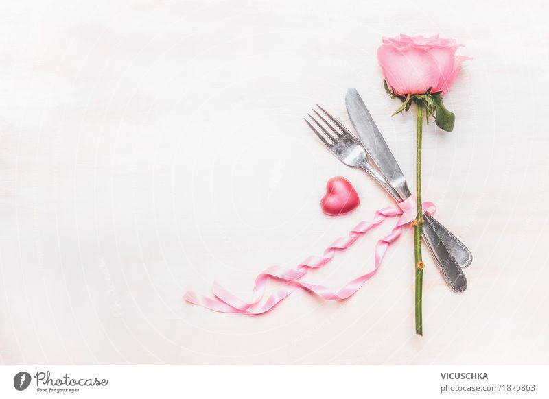 Tischgedeck mit Rose, Besteck, Herz und Schleife Blume Liebe Stil Feste & Feiern Party Stimmung Design rosa Dekoration & Verzierung Geburtstag Romantik Zeichen