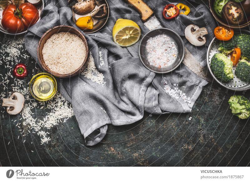 Vegetarische Zutaten für gesundes Kochen Lebensmittel Gemüse Getreide Kräuter & Gewürze Öl Ernährung Bioprodukte Vegetarische Ernährung Diät Geschirr Messer