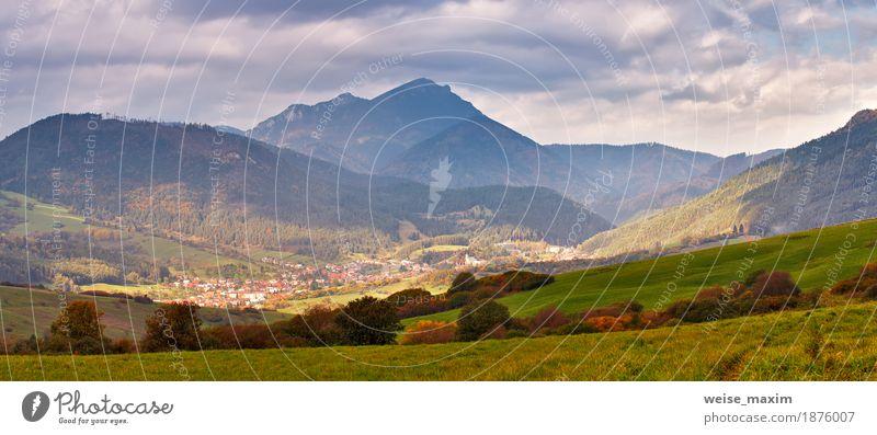 Himmel Natur Ferien & Urlaub & Reisen Sommer grün Baum Landschaft Wolken Haus Ferne Wald Berge u. Gebirge gelb Herbst Wiese Gras
