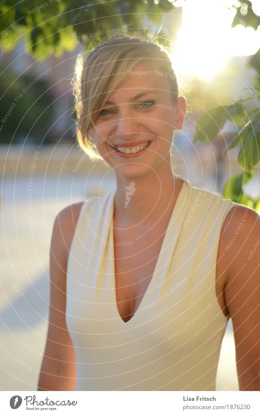 enida Jugendliche schön Junge Frau Erholung Freude 18-30 Jahre Gesicht Erwachsene Leben natürlich Gesundheit feminin Stil lachen Glück Mode