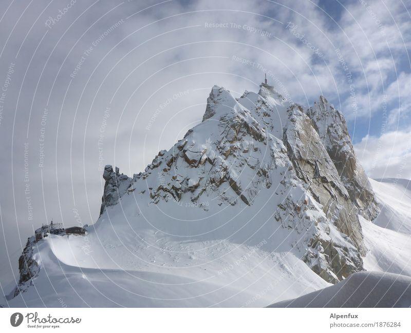 Aiguille du Midi Cosmique-Grat weiß Landschaft Wolken Winter Berge u. Gebirge kalt Schnee Glück Felsen Tourismus Zufriedenheit Eis Kraft ästhetisch Erfolg