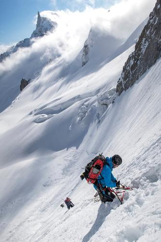 Nordwand Natur weiß Landschaft Freude Berge u. Gebirge kalt Sport Schnee Felsen Tourismus Eis wandern Kraft Erfolg gefährlich Schönes Wetter