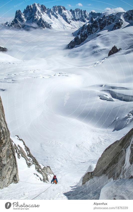 Tief- und Weitblick Klettern Bergsteigen Natur Landschaft Hügel Felsen Alpen Berge u. Gebirge Mont Blanc Aiguille Verte Gipfel Schneebedeckte Gipfel Gletscher