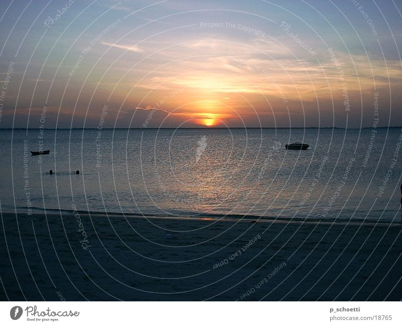 Sonnenuntergang auf Zanzibar Meer Strand Tansania Afrika Sansibar