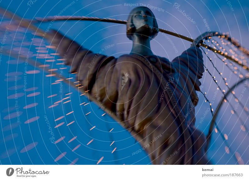 Engel wachen über uns Weihnachten & Advent blau gelb Religion & Glaube Kunst groß ästhetisch Schutz leuchten Statue Stahl Wachsamkeit Skulptur Tradition