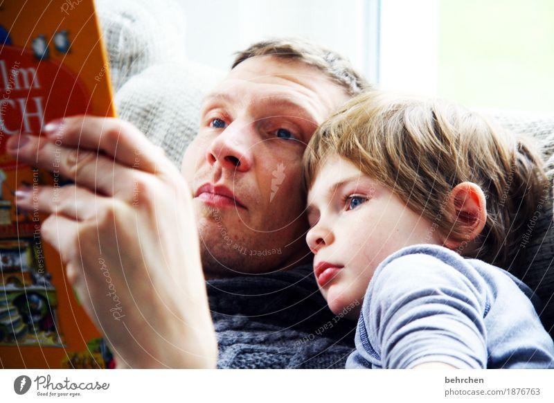 wenn der vater mit dem sohne... Mensch Kind Mann Hand Erholung Gesicht Erwachsene Auge Liebe Junge Familie & Verwandtschaft Haare & Frisuren Kopf Zusammensein