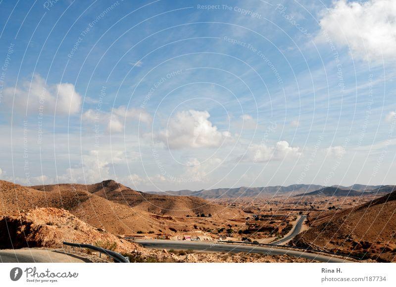 Verschlungene Wege Himmel Natur Sonne Ferien & Urlaub & Reisen Wolken Einsamkeit Ferne gelb Straße Landschaft braun Erde Horizont Felsen Tourismus ästhetisch