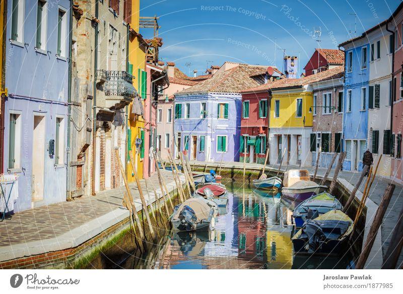 Venedig und Burano in der Nachmittagssonne. Himmel Ferien & Urlaub & Reisen alt blau Sommer Stadt Farbe schön Sonne Meer rot Haus Architektur Straße gelb