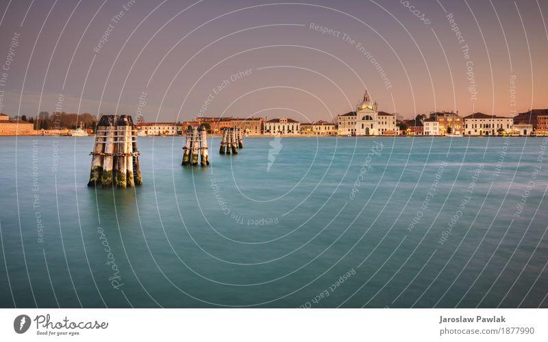 Blick auf die Insel Guidecco bei Sonnenuntergang. Venedig, Italien. Ferien & Urlaub & Reisen Tourismus Sommer Meer Haus Himmel Wolken Kirche Gebäude Architektur