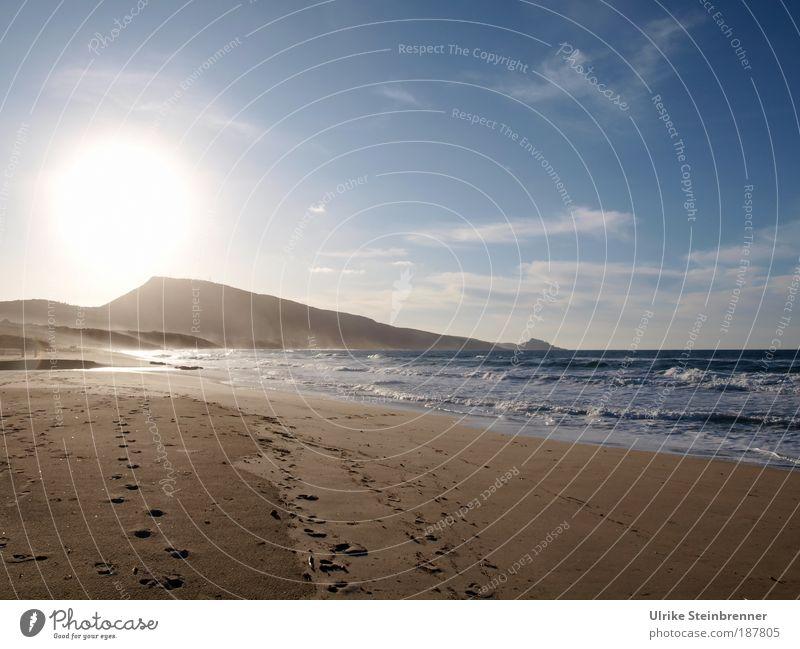 Leerer Strand im Winter bei Sonnenuntergang Erholung Ferien & Urlaub & Reisen Tourismus Meer Insel Wellen Natur Landschaft Urelemente Sand Luft Wasser Himmel