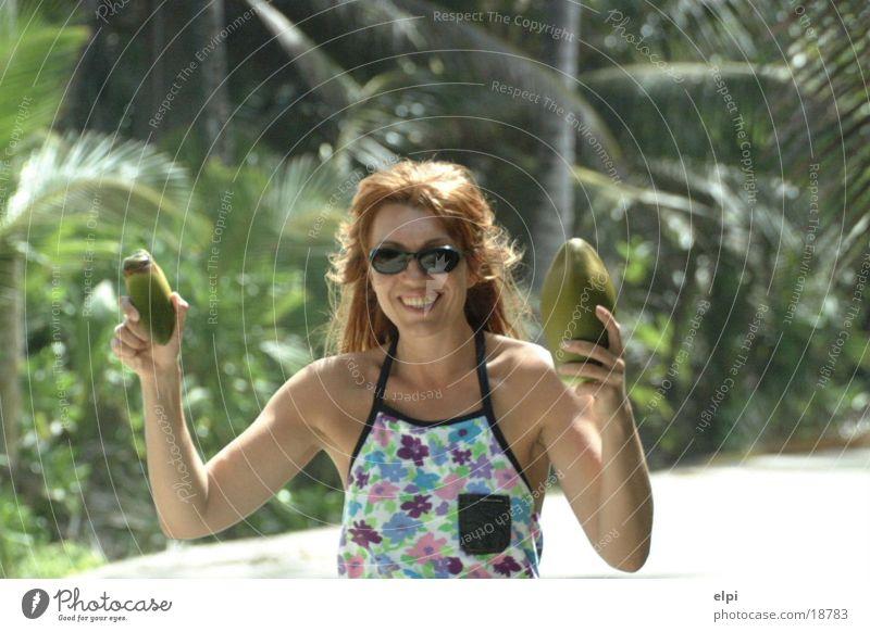 Kokos Frau Sonne Sommer Kokosnuss