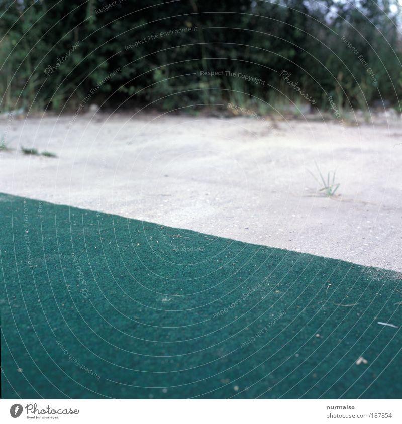 komisches grün zu Weihnachten Natur Ferien & Urlaub & Reisen Strand Wiese Umwelt Gras Stil Kunst Freizeit & Hobby Beton liegen Lifestyle Ecke trist Bodenbelag außergewöhnlich