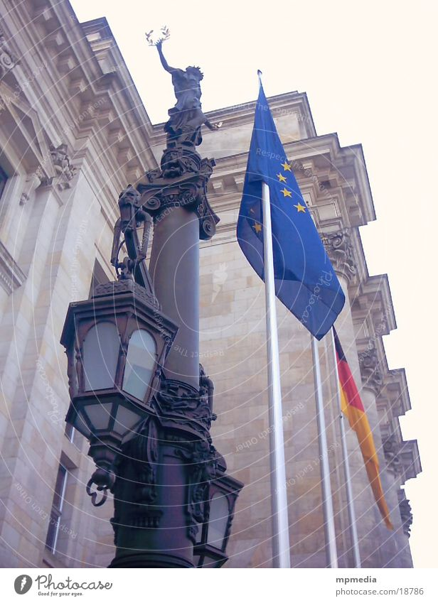 Europaflagge am Reichstag Fahne Berlin Deutscher Bundestag Architektur