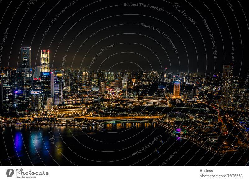 darkness... Hauptstadt Skyline Hochhaus Turm Bauwerk Gebäude Architektur Sehenswürdigkeit entdecken glänzend Beleuchtung leuchten Lampe Kitsch schwarz Singapore