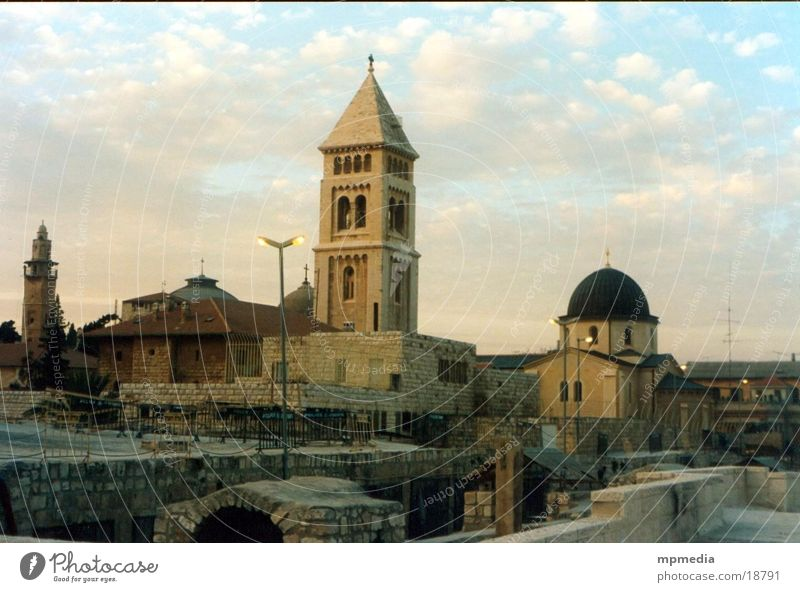 Dächer von Jerusalem Israel Sonnenuntergang Abend Ost-Jerusalem Kirche Moschee Kirchturm Außenaufnahme Menschenleer Dämmerung