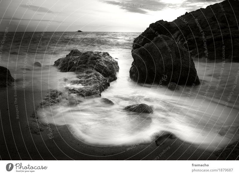 Felsen-3 Umwelt Natur Landschaft Urelemente Sand Wasser Wellen Küste Strand Bucht Meer Insel Menschenleer Erholung Ferien & Urlaub & Reisen träumen
