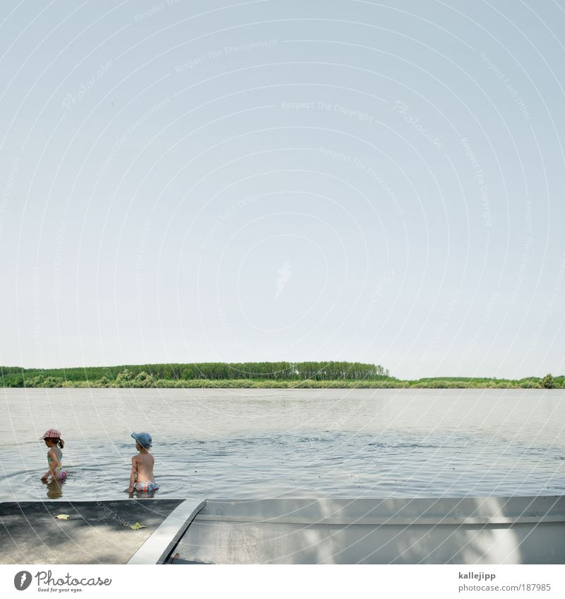 donauwelle Mensch Kind Natur Wasser Mädchen Baum blau Ferien & Urlaub & Reisen Leben Junge Spielen See Landschaft Wasserfahrzeug Küste Horizont