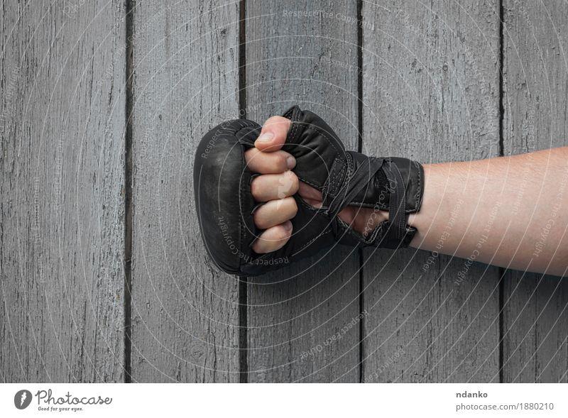 alt Hand schwarz Sport Holz grau maskulin retro Erfolg Haut Finger Fußball Riss Konkurrenz Leder Handschuhe