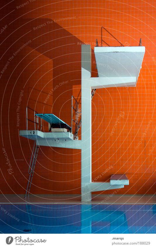 531 blau Wasser Wand Architektur Stil Sport Mauer springen orange Design Freizeit & Hobby groß hoch Beton retro Coolness