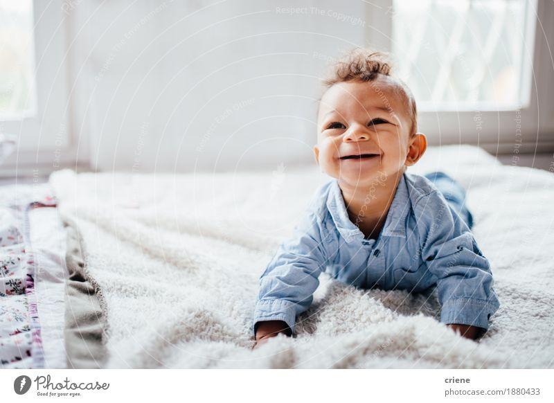 Mensch Kind Freude Gesicht Lifestyle Gesundheit klein lachen hell Körper Kindheit Fröhlichkeit Baby Lächeln niedlich weich