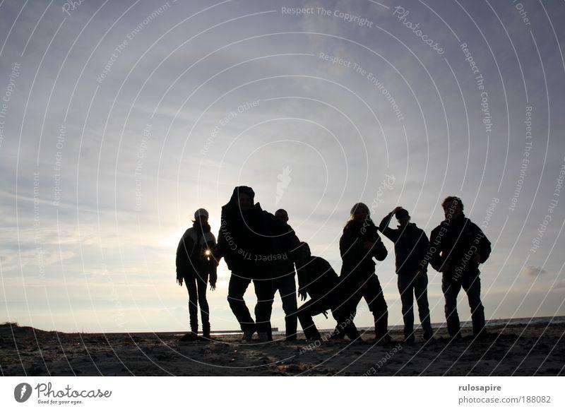 Up! #2 Mensch Himmel Natur Jugendliche blau Sonne Meer Winter Freude Strand Wolken schwarz Erwachsene Freiheit Bewegung Sand