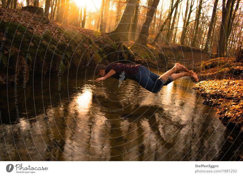 Noch einmal Glück gehabt Ausflug Abenteuer Expedition Sonne maskulin Junger Mann Jugendliche Natur Landschaft Wasser Sonnenaufgang Sonnenuntergang Sonnenlicht