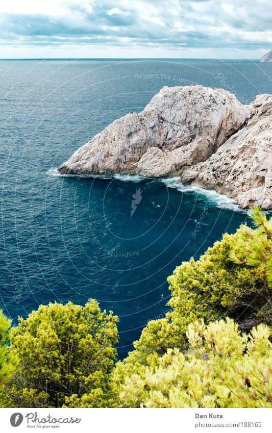 Summer dreams Wasser Himmel Wolken Sommer Herbst Wellen Küste Bucht Meer Mittelmeer Insel Mallorca Klippe beobachten Cap Formentor türkis Wolkendecke Sträucher